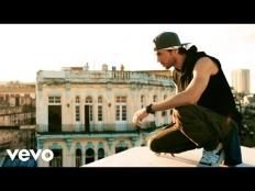 Enrique Iglesias feat. Descemer Bueno, Zion & Lennox - Súbeme La Radio