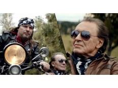 Karel Gott & Petr Kolář - To jenom láska zastaví čas