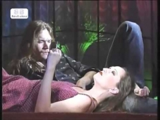 Bára Basiková & Dan Bárta - Tam za vodou v rákosí