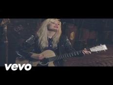 Nina Nesbitt - Stay Out