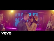 DNCE feat. Nicki Minaj - Kissing Strangers