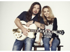 Lucie Vondráčková a Petr Kolář - Vánoce bílý