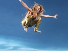 Shakira - Loca feat. Dizzee Rascal